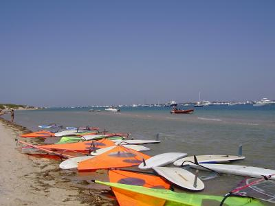 20070807221233-playa-de-campo-soto-playa-castillo-puerto-deportivo-2-cadiz-9.jpg