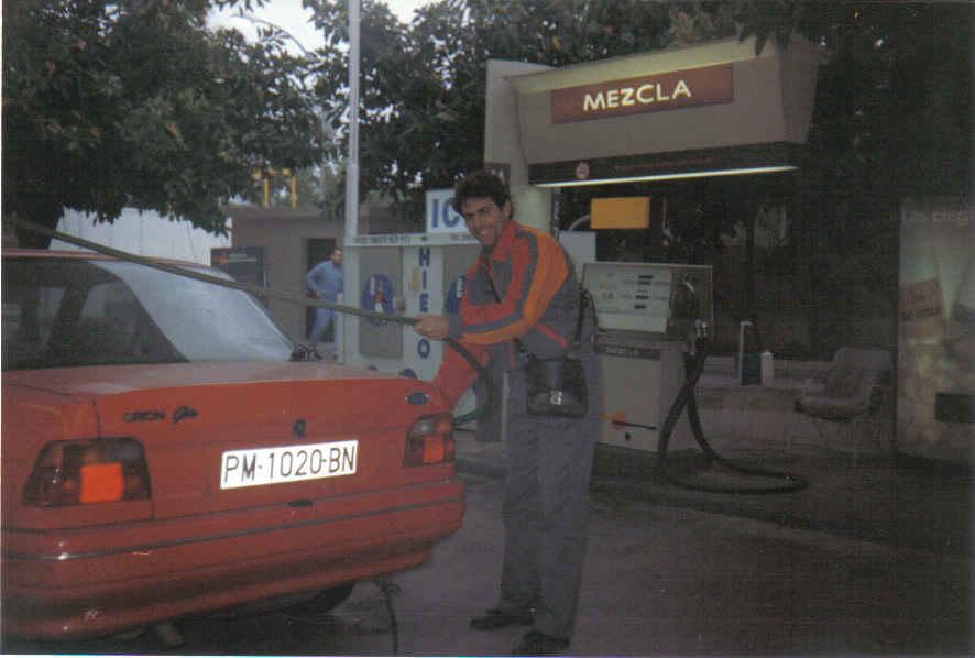 20071113125346-de-gasolinero-en-mallorca.jpg